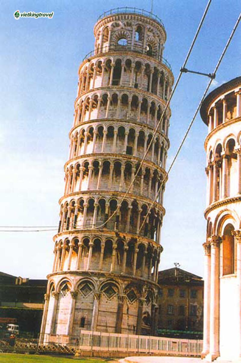 tháp nghiêng pisa ở đâu